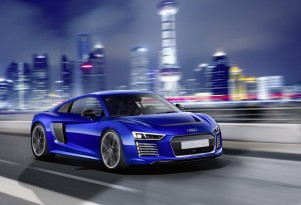 Audi R8 e-tron Piloted Driving concept, 2015 Consumer Electronics Show Asia