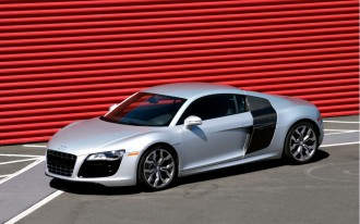 2010 Audi R8 V-10: MotorAuthority's First Drive