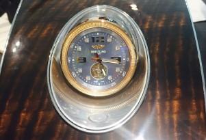 Bentley Bentayga Breitling Clock