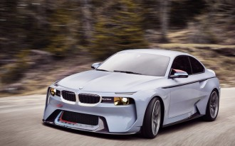 7-Series vs. S-Class, Genesis future plan, BMW 2002 Hommage: What's New @ The Car Connection