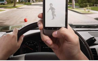 Another Study Confirms That Parents Use Cell Phones While Driving
