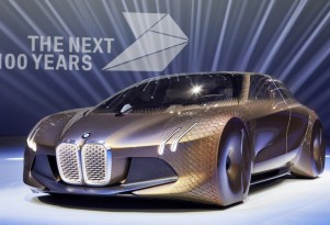 BMW marks 100th birthday with autonomous, zero-emission concept