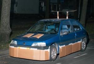 Car pimped with cardboard - Image via Max Siedentopf