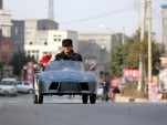 Chinese grandpa builds electric mini-Lamborghini (Images: ChinaSmack)