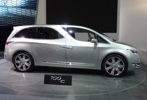 Chrysler 700C Concept: 2012 Detroit Auto Show Video