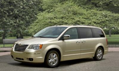 2010 Chrysler Town & Country Photos