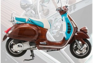 Digital Veneer Wooden Tribute Vespa