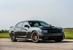 2015 Dodge Charger SRT Hellcat by Hennessey Performance