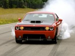 Video Mashup: Dodge Challenger SRT10 vs. 1970 Challenger 440 R/T