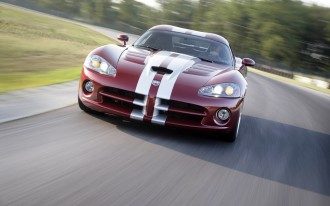 Future Dodge Viper Might Get Ferrari-based V-10