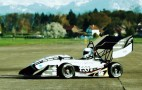 Electric racer goes 0 to 60 mph in 1.5 seconds, built by students