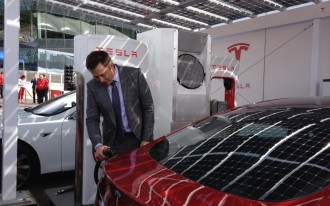 Tesla's First Takers: BMW, Nissan Talk To Elon Musk & Co. About Battery Charging