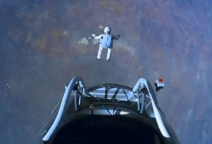 Felix Baumgartner jumps from 128,100 feet