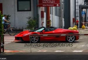 Ferrari LaFerrari Aperta - Image via Tomas Alcazar/Inavas Fotografias