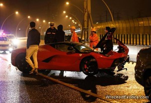 Ferrari LaFerrari crash in China - Image via WreckedExotics