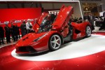 The Ferrari LaFerrari Hybrid Can Run Only On Electricity: Video Proves It
