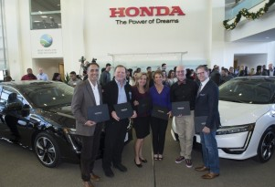 First 2017 Honda Clarity Fuel Cell sedans delivered in California