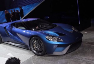 Ford GT starts and revs at Joe Louis Arena