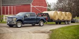 Ford says new Super Duty can drag 20 tons, no tree stump safe