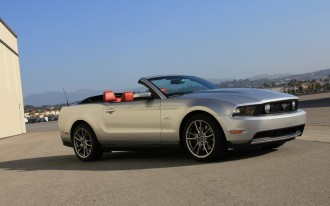 2011 Ford Mustang GT: Live Photo Tease