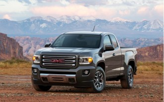 2015 GMC Canyon Flips Its Headrest For Car-Seat Safety