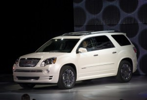 Refreshed GMC Acadia Confirmed For 2012 Chicago Auto Show
