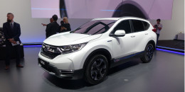 Honda CR-V Hybrid displayed in Frankfurt; US likely next, but when?