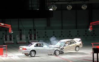 Crash Testing, Honda Style