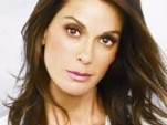 Teri Hatcher Wins; VW Van Loses