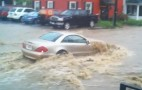 Mercedes-Benz SL Stalls In Flash Flood, Toyotas Plough Through: Video
