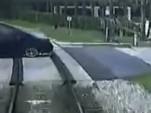 Infiniti Q60 stuck on a railroad crossing in Maitland, Florida