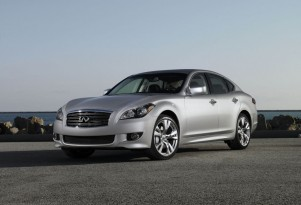 2011 Cadillac CTS, 2011 Infiniti M Earn 'Top Safety Pick' Status