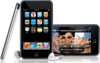 AA: Apple iPod Turns Drivers Into Zombies