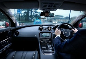 Jaguar Land Rover 360 Virtual Urban Windscreen transparent pillar technology