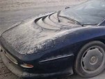 Jaguar XJ220 abandoned in desert