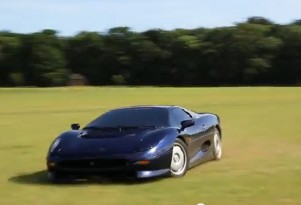 Jaguar XJ220 joyride video