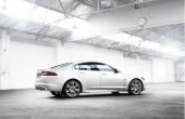 2010 Jaguar XF Photos