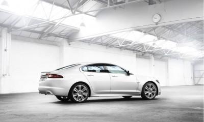 2010 Jaguar XF Photos