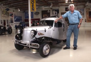 Jay Leno checks out the one-off 1931 Shotwell three-wheeler.