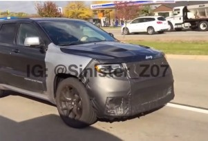 Jeep Grand Cherokee Hellcat spotted by YouTube user Sinister Life