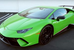 Lamborghini Huracán Performante engine rev video