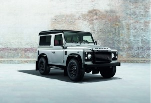 Land Rover Defender Black Pack and Silver Pack