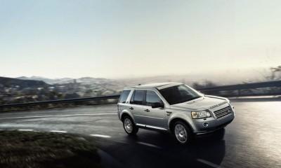 2010 Land Rover LR2 Photos