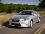 2015 Lexus ES 300h Hybrid Gets New Infotainment Features
