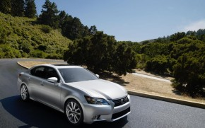 2012-2013 Family Cars With The Best Sound Systems