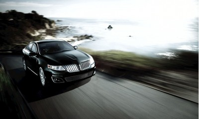 2010 Lincoln MKS Photos