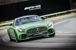 2018 Mercedes-AMG GT R: 9 things that get completely out of hand