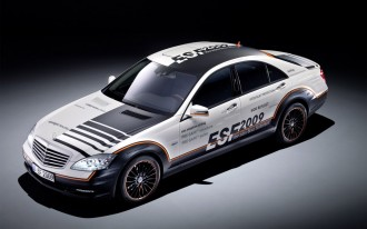 Mercedes-Benz ESF Safety Car: More, Better, Smarter Airbags!