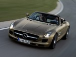 Video: 2012 Mercedes-Benz SLS AMG Roadster Just Too Beautiful