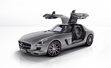 2013 Mercedes-Benz SLS AMG GT Photos